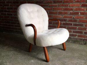 1_chaise